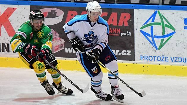Vrchlabští hokejisté si ze Dvora Králové nad Labem vezou vítězství 3:1.