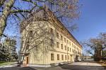 Domov pro seniory ve Vrchlabí získá díky třípodlažní bezbariérové budově 34 nových lůžek.