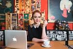 Kafe a cigárko v šestidílném seriálu