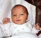 LUCIE ADÁMKOVÁ se narodila 24. července v 19.50 hodin Tereze a Ondřejovi. Vážila 3,79 kg a měřila 51 cm. Doma v Trutnově už čeká také sestřička Viktorka.