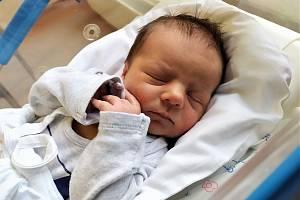 Roman Zajíček se narodil 4. prosince v 11.14 hodin rodičům Olze a Romanovi. Vážil 3,39 kg a měřil 52 cm. Spolu se sestřičkou Annou bydlí v Chotěvicích.