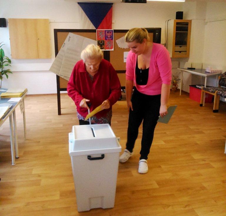 Volby v královéhradeckém domově důchodců
