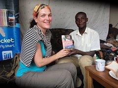 Hana Hindráková dokončuje nový román z afrického prostředí.