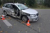 Dopravní nehoda osobáku s motorkou skončila tragicky