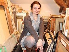 MALÉ PROSTORY trápí především ředitelku úpického muzea a galerie Janu Nešněrovou. Archiv je například umístěn v místnosti o rozměrech zhruba šesti metrů čtverečných.