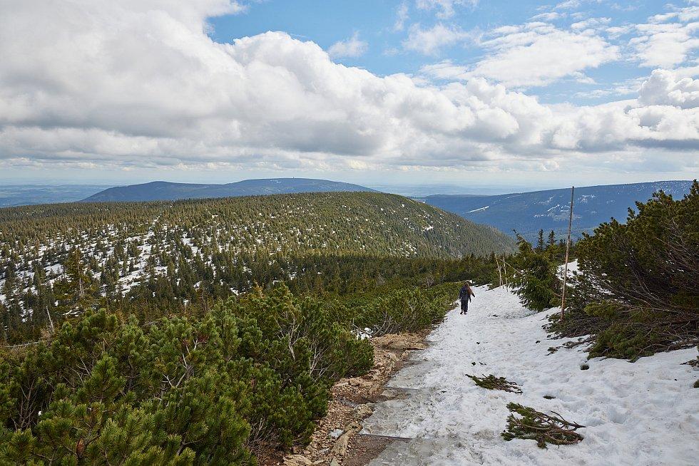 Lanová dráha Sněžka mohla obnovit provoz po více než tříměsíčním nuceném uzavření 12. května.