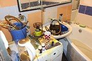 Celníci zaskočili muže ve chvíli, kdy doma vařil pervitin