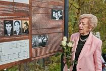 Informační panel připomíná těžký osud žen v koncentračním táboře Libeč