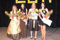 NEJKRÁSNĚJŠÍ na Střední zdravotnické škole jsou pro rok 2011 (zleva): Miss sympatie Renata Součková, II. vicemiss Eliška Bednářová, Miss 2011 Andrea Gašparíková a I. vicemiss Michaela Lantová.