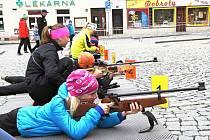 STŘELBA NA TERČ byla v Jilemnici jednou ze základních disciplín, bez nichž při orientačním biatlonu nešlo uspět.