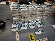 Celníci lapili pašeráka s léky na výrobu pervitinu.