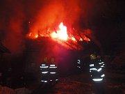Požár chalupy způsobil milionovou škodu