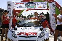 Rally Krkonoše 2010: cíl v Autostylu.
