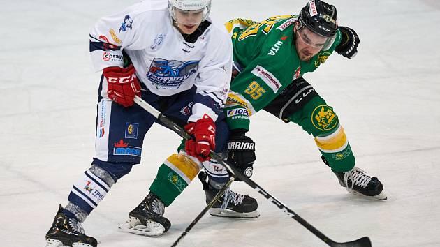 Také páté vzájemné derby s Trutnovem opanovali hokejisté Dvora Králové.