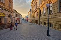 Rekonstrukce pěší zóny v centru Trutnova je ve finiši, hotová má být do konce června.