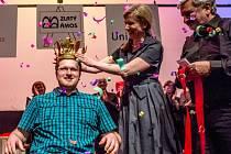 Titul Zlatý Ámos 2016 o nejoblíbenějšího učitele získal Jan Flídr ze ZŠ 5. května ze Dvora Králové nad Labem 18. března v Praze.