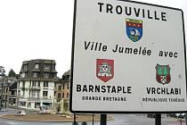 Vrchlabští jsou na partnerství s Trouville sur Mer, které leží v Normandii v v departmentu Calvados, náležitě hrdí.