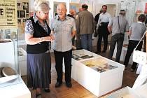 VÝSTAVA mapující bohatou historii ochotníků v Semilech bude v muzeu přístupná až do 20. listopadu.