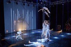 Losers Cirque Company. Mezinárodní festival nového cirkusu Cirk-UFF v Trutnově.