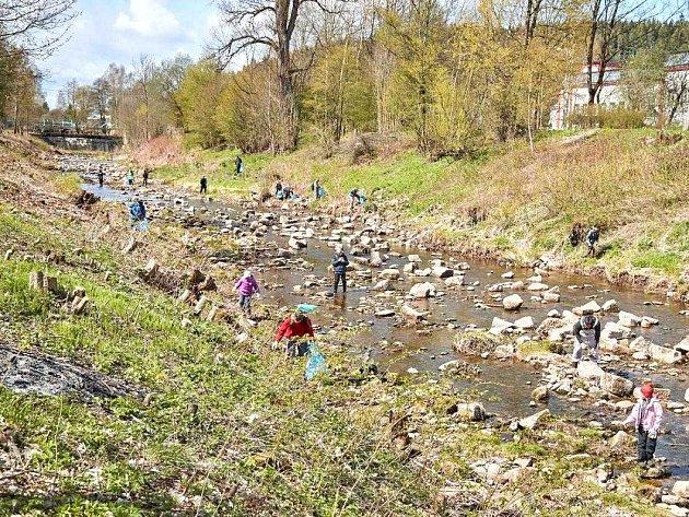 Řeka Úpa volá po očistě
