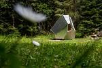 Nová turistická útulna figuruje také v údolí Bílého Labe. Stejně jako pět dalších ji navrhli a vyrobili studenti architektury ČVUT v Praze.