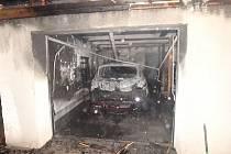 Požár garáže ve Rtyni v Podkrkonoší