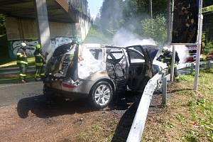 Požár auta - Janské Lázně.