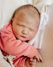 SÁRA ADÁMKOVÁ se narodila 6. května v 7.48 hodin Barboře Hallerové a Jiřímu Adámkovi. Vážila 3,625 kilogramu a měřila50 centimetrů. Doma v Mladých Bukách čeká i bráška Vojtíšek.