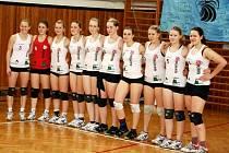 VÍTĚZNÝ VÝBĚR. Juniorský tým Turnova, který tvoří hráčky ve věku od 15 do 19 let, se v Bílé Třemešné dočkal historického postupu do první ligy!