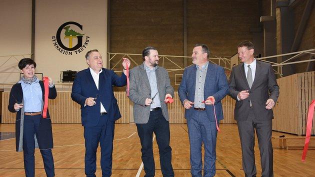Slavnostní otevření opravené sportovní haly trutnovského gymnázia
