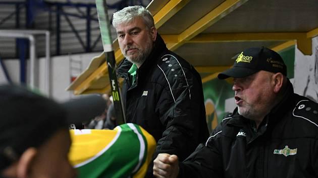 Hokejisty z města na Labi už netrénuje Ivan Houda. Na pondělním tréninku po svém předchůdci převzal tým Juraj Jurík ze Zlína.