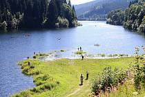LABSKÁ PŘEHRADA umožní v létě návštěvníkům Špindlerova Mlýna projížďky na loďkách či paddleboarding.