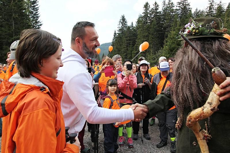 Charitativní výstup Na Sněžku pro Evču, organizovaný nadačním fondem KlaPeto, vynesl rekordních 1 577 000 korun.
