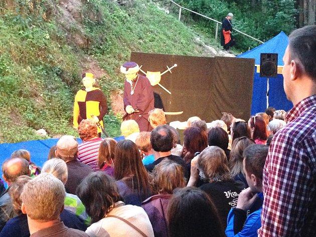 Skvělý nápad Vízmburských: Spojení hradu a divadla