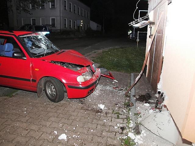 Nehoda automobilu v Radvanicích