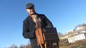 Roman Prouza přijel se svým flašinetem zpestřit vánoční trhy na Kuksu.