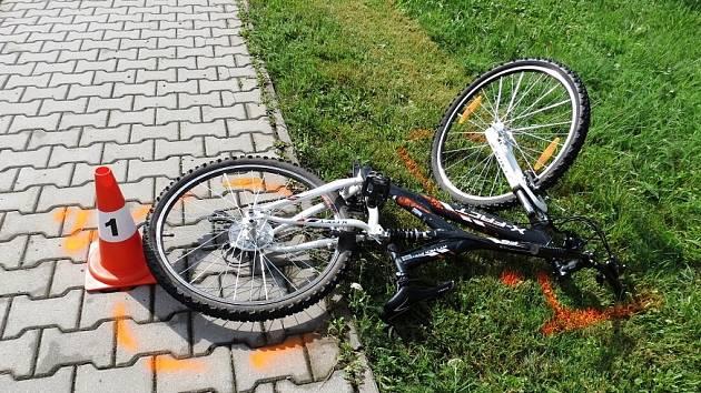 Desetiletý chlapec se na kole vážně zranil