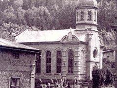 Synagoga trutnovské židovské náboženské obce, postavená v letech 1884–1885 podle návrhu trutnovského stavitele Konrada Kühna, byla zničena nacisty roku 1938.