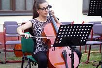 Koncert ZUŠ Karla Halíře v Rajské zahradě