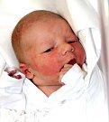 JONÁŠ JANHUBA se narodil 30. ledna v 16.43 hodin rodičům Zuzaně a Jiřímu. Vážil 3,43 kilogramu a měřil 50 centimetrů. Rodina bydlí v Trutnově.