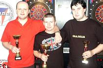 Nejlepš trio v kategorii mužů: zleva Pavel Drtil (stříbro), Petr Sucharda (vítěz), Robert Kuric.