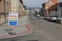 Ve Dvoře Králové nad Labem je opravená Heydukova ulice.