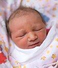 KLÁRKA se narodila Renatě a Jirkovi 27. prosince v 7.52 hodin. Měřila 49 centimetrů a vážila 3,12 kilogramu. Doma v Rokytnici nad Jizerou už na sestřičku čekají i sourozenci Karolína a Štěpán.