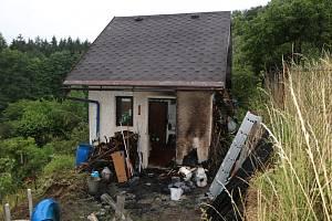 Krakonoš sousedovi zachránil hořící chatku.