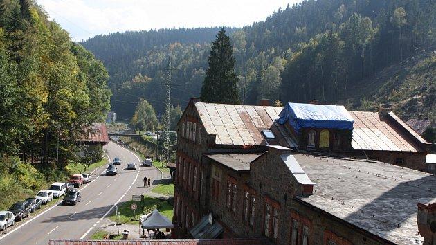Fabrika v Temném Dole otevřela své dveře