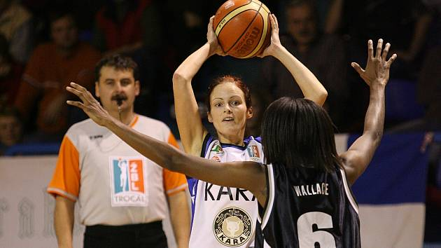 Basketbal žen. Trutnov - Karlovy Vary.