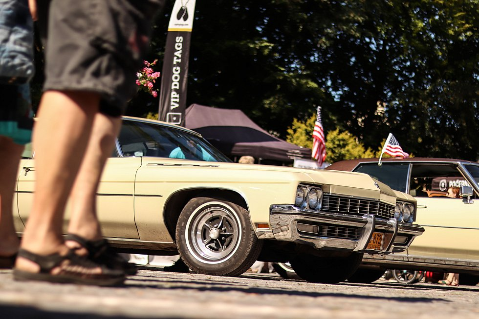 O sraz amerických vozidel Krkonoše Amerikou ve Vrchlabí byl obrovský zájem.