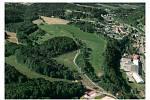 Obytný a rekreační komplex měl vyrůst loukách a polích u Mladých Buků.