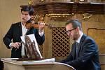 Při třetím koncertu festivalu Hudební léto Kuks vystoupili houslista a koncertní mistr České filharmonie Jan Mráček a polský varhaník Wacław Golonka.