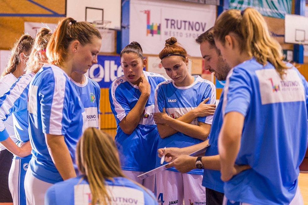 Turnaj basketbalistek O pohár města Trutnova: Trutnov - Ružomberok.